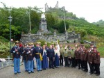 Ehrensalut beim Kriegerdenkmal